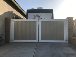Two Tone Double Gate