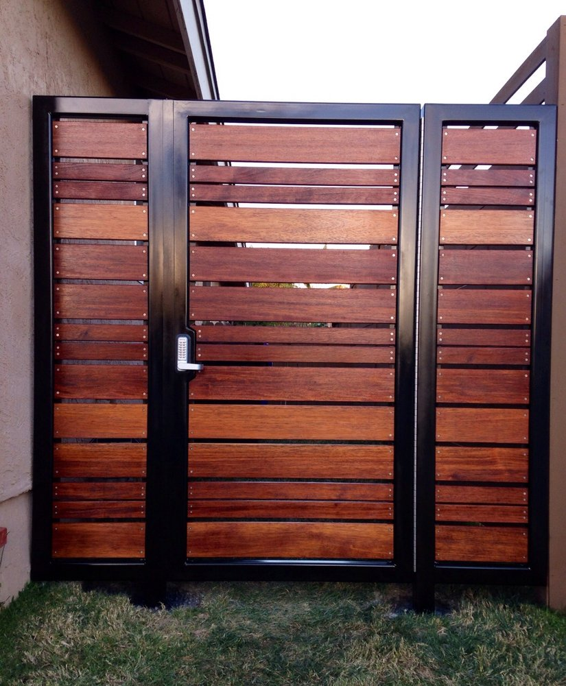 Horizontal Wood Gate with Metal Frame