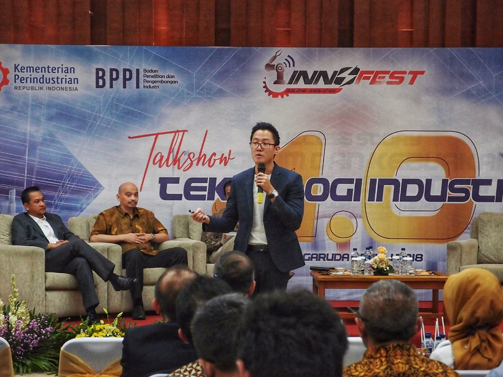 Felius, our Business Development Manager (Indonesia), sharing our Industrial IoT solution to manufacturers during a panel discussion