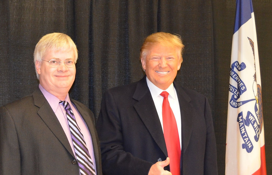 Jeff and Trump 1-23-16 more cropped.jpg
