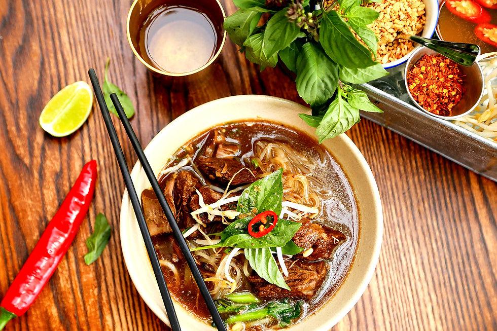 thai-boat-noodle-5256917_1920_edited.jpg