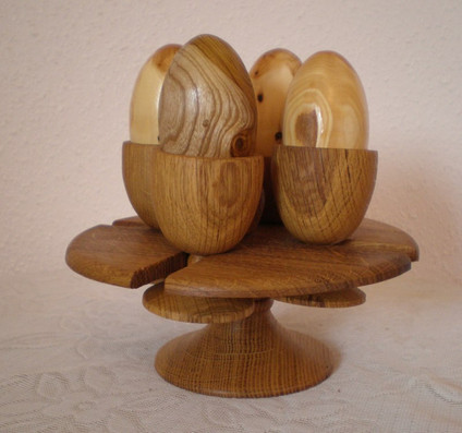 Egg cups and holder Size: 7 X 3 Price: £40