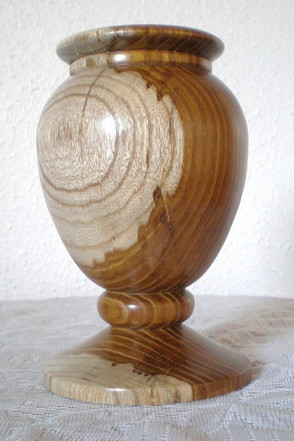 Wood: Laburnum Size: 6 X 4 Price: £45 (ref.5320)