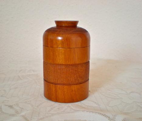 Wooden box Wood: Mahogany Size: 4 X 3 Price: £25 (ref.5249)
