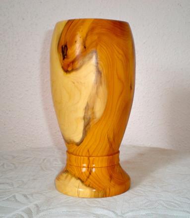 Wood: Yew Size: 8 X 4 Price: £60 (ref.5263)