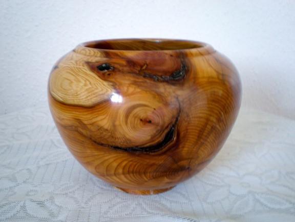 Wood: Yew Size: 6 X 4 Price: £60 (ref.5255)