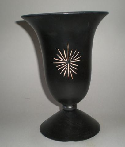 Vase Wood: Black Sycamore Size: 9 X 6 Price: £50 (ref.4277)