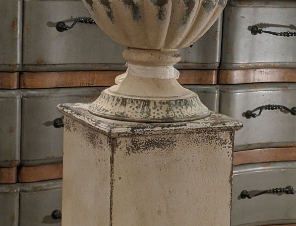 Distressed Planter with Plinth