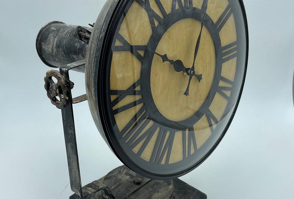 Rusty Lamp Clock
