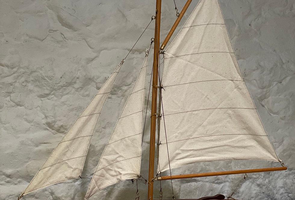 Pond Yacht