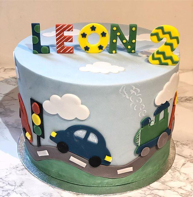 Leon's birthday cake 🚗 #2ndbirthday ._.