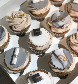 Graduation 👩🏻🎓 #cupcakes_._._