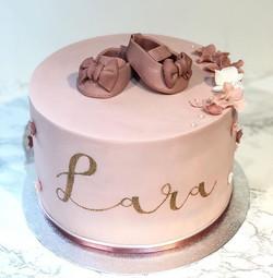 Lara's baptism cake 😍 #babyshoe_._._