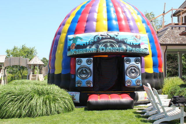 Rockin Bounce House with music & strobe