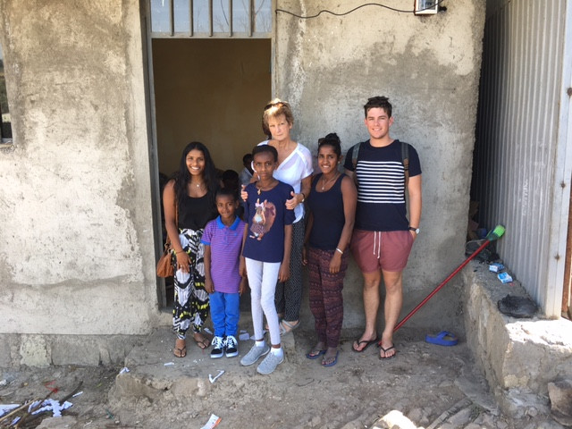 Leeanne with friend Tom and daughters Priya & Anjali, visit Sami & Gerri in January 2017.