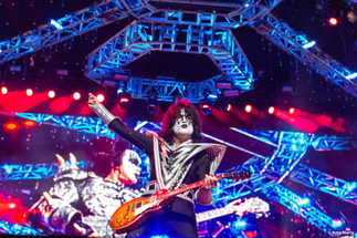 KISS-Concert-Ball-Watch-by-Amy-Martz-130816_8739-Photograph-by-Amy-Martz-23.jpg
