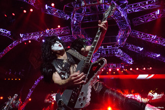 KISS-Concert-Ball-Watch-by-Amy-Martz-130816_8795-Photograph-by-Amy-Martz-28.jpg