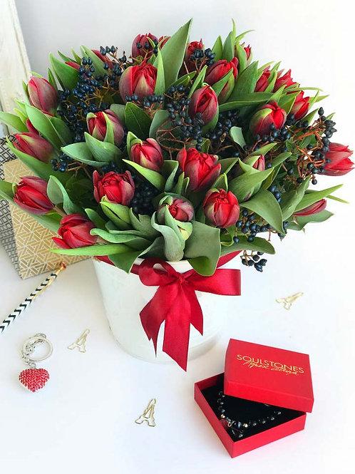 Very Red Tulips | Tulipani molto rossi, Consegna fiori a Milano