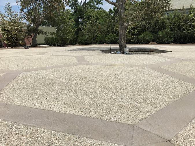 exposed-aggregate-hexagon-pattern-la-con