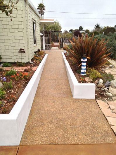 aggregate-walkway-pebble-walkway-burch-c