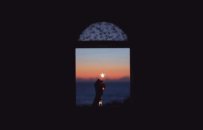 star-dawn-aziz-acharki-unsplash
