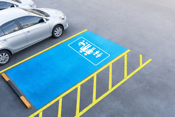road_marking_Parking_for_a_large_family.