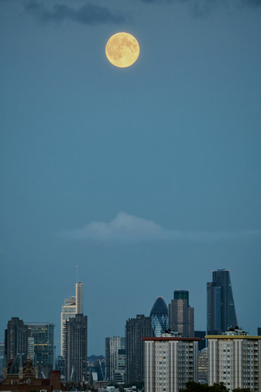 moonrise over london