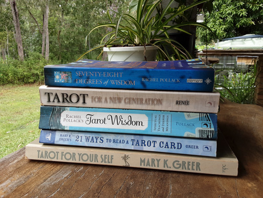 Top 5: best tarot books for beginners
