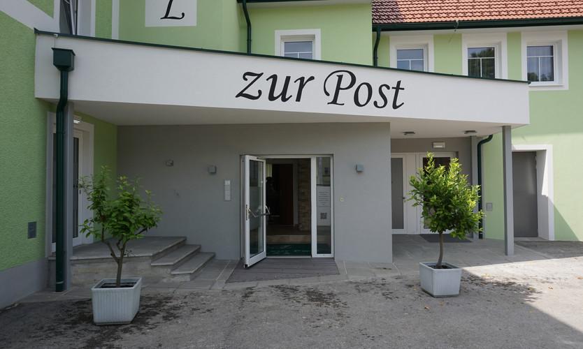 Eingangsbereich Hotel zur Post