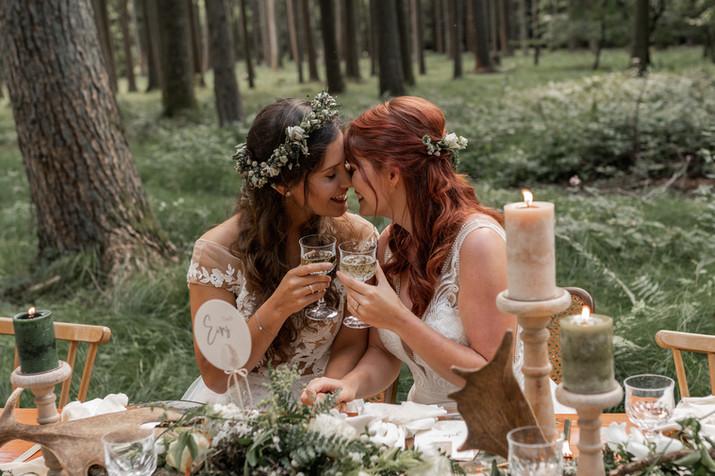 Lesbisches Pärchen, Homosexuelle Hochzeit, Homosexuelles Pärchen, Lesbische Hochzeit, Gleichgeschlechtliche Hohczeit, Hochzeit in Hessen, Hochzeit zwei Frauen, Hochzeit in Europa, Homosexuelle Ehe