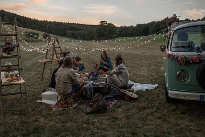 Hippi Hochzeit, Freie Trauung, Hochzeit Birstein, Hochzeit Wetteraukreis, Freie Hochzeit, Bulli, VW Bulli, Hochzeitsauto, Hohczeitsauto Bulli, Hochzeitsdeko