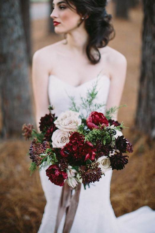 Dark+Cranberry+Winter+Bouquet.jpg