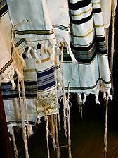Jewish prayer shawl - Religions