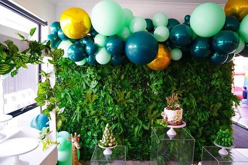 Urban Deluxe Green Wall