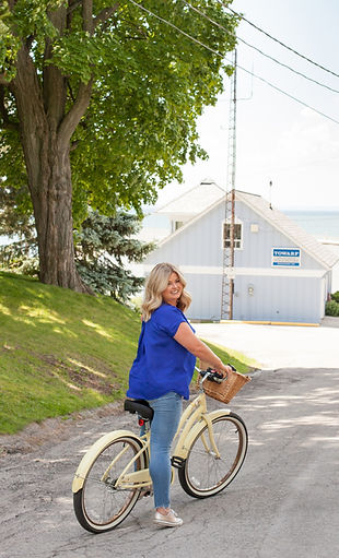 Lora is an adventurous life coach so we wanted to show her in her element with her vintage bike during her photo session