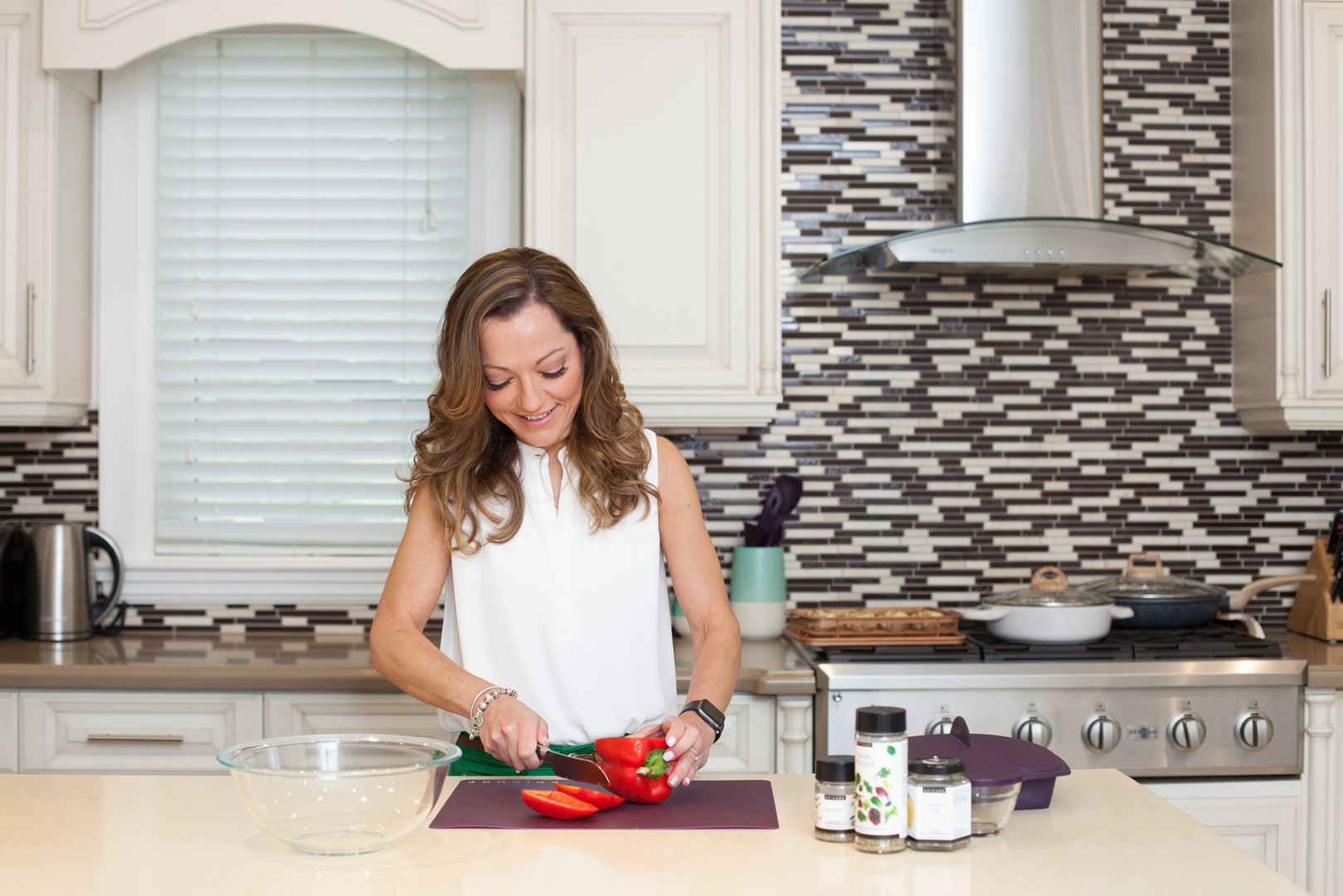 Viky Rose Influencer Blogger Entrepreneur Photoshoot - Chopping Peppers