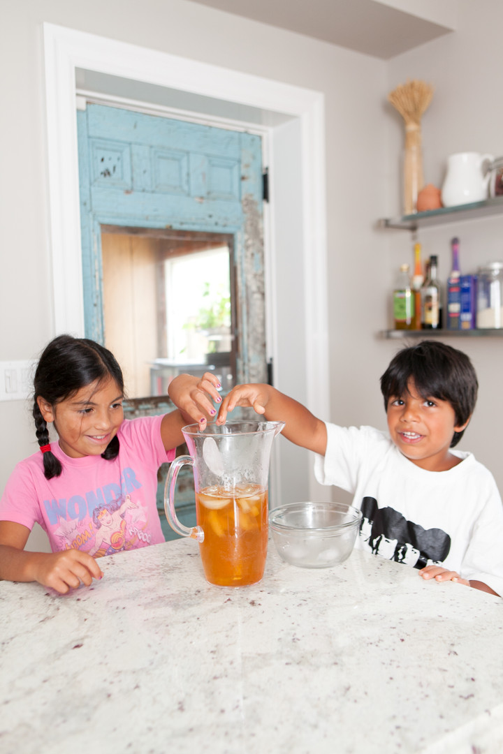 Making Iced Tea - Live Action Product in Use Photography