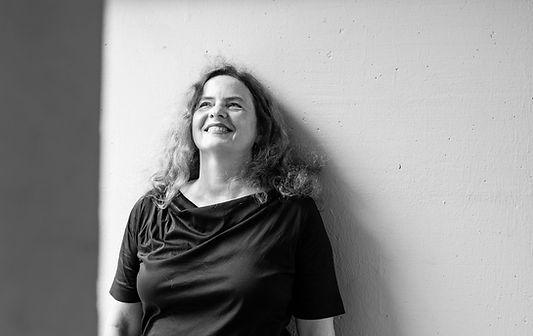 Portrait Ruth Mateus-Berr Artist, Researcher, Designer theartresearcher