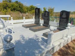 Памятник 5