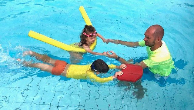 Plivanje deci daje kvalitetnije detinjstvo: Da ili Ne?