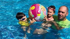 Koje rekvizite može beba da koristi prilikom bebi plivanja?