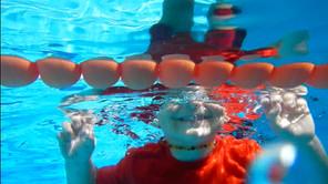 Kako plivanje eleminiše loše navike kod dece?