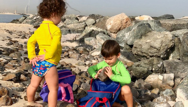 Swimming and the right posture: Is the schoolbag to be blamed for everything?