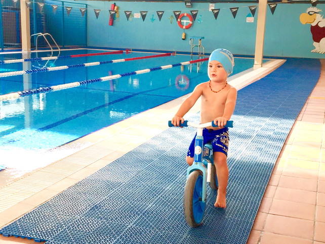 Swim cap: 5 mistakes when putting it on