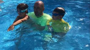 Zašto je leto je pravo vreme da deca nauče da plivaju?