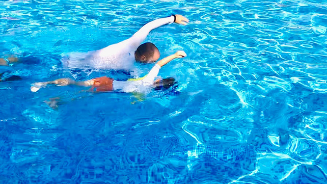 How long does it take kids to learn how to swim?