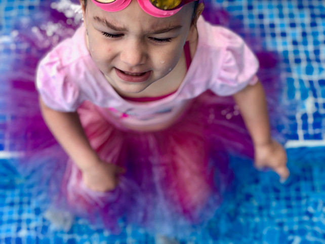 Does baby swimming prepare girls for artistic swimming?