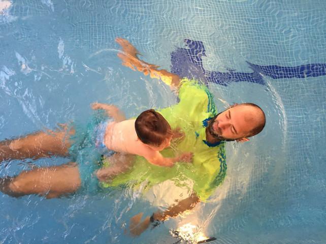 Da, bebe rone i plivaju!