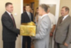 Александр Александрович Волков, Первый Президент Удмуртии, программа «Жилье для молодых семей»