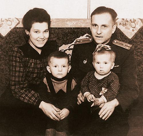 Александр Александрович Волков, Первый Президент Удмуртии, семья
